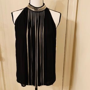 Sleeveless dress top